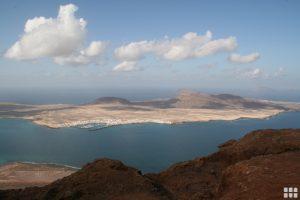 Blick von Lanzarote auf die Isla Graciosa