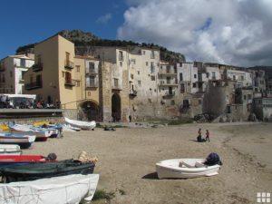 Alter Hafen von Cefalu Sizilien