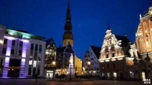 Riga bei Nacht Baltikum